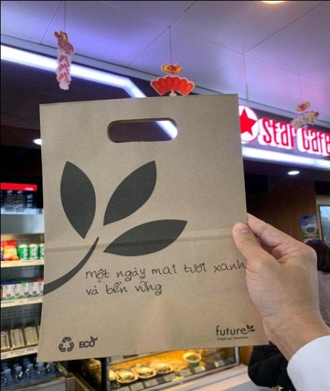 Cảng hàng không Nội Bài dùng đồ giấy thay thế đồ nhựa